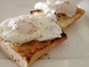 Perfectly cooked poached eggs