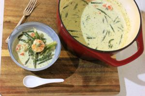 Thai Green Curry with Prawns and Rice Noodles