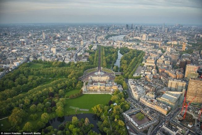 A green city... London from the sky. Photo credit: Jason Hawkes | Barcott Media via dailymail.co.uk