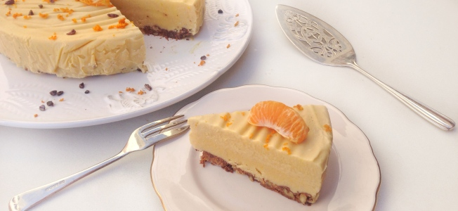 Raw mandarin cheesecake