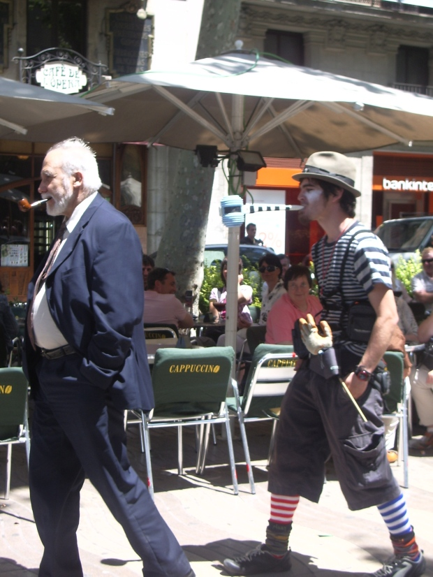 Comedian street performer at the markets in La Rambla, Barcelona, Spain